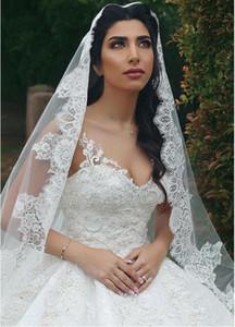 2020 cordón afilaron 3 metros de largo Una boda capa velo longitud de la capilla nupcial de los velos de color blanco marfil con el peine Veu de Noiva largo velo de novia CPA3196