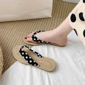 Rubber Flip Flops Flat Shoes Female Womens Slippers Outdoor Luxury Slides Summer Woman Low Hawaiian Soft Designer Beach