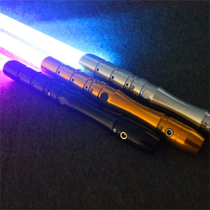 Étoile Cosplay Light Saber Wars Toy LED Lightsaber Laser épée Son Light Emitting Jouets de Noël cadeau d'anniversaire pour les enfants La grève émet un
