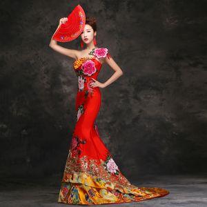 Geleneksel Kırmızı Gelin Çin Tarzı Nakış Mermaid Tailing Düğün Cheongsam Uzun Abiye Qipao Elbiseler Robe Chinoise