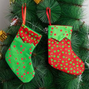 Mini Chrsitmas Stocking Punto rojo y verde de Santa calcetines del árbol de Navidad de caramelo bolsas de regalo la decoración del árbol de Navidad 08