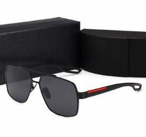 al por mayor de los vidrios de alta calidad lente polarizada t Fashionsunglasses para la mujer y el diseñador de mujer de marca de deportes de la vendimia gafas de sol de madera