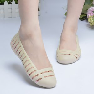 Beach Shoes Women Sweet Sandals Summer Fashion Candy-colored Jelly Slip-on Resin Cut-out Sandals Size 36~40 GK963