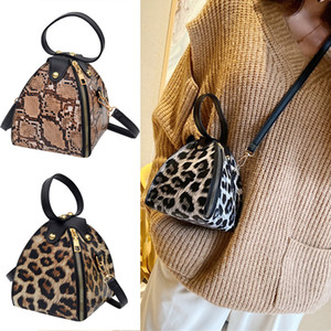 Fashion handbags Messenger Bags 3 color Leopard Print Women Trend Large Capacity Leather shoulder bag messenger bag JJ51