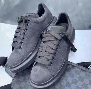Piattaforma Sneakers uomo oversize scarpe di cuoio verde Suede Lace-Up Moda alta qualità bianca formatori esterni pattini casuali Big Size