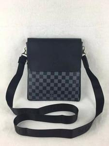 2020 yeni Deri Erkekler Çanta yüksek kaliteli erkek Messenger Çanta Vintage Crossbody Bag fermuar Casual İş Deri Mens Çantası'na