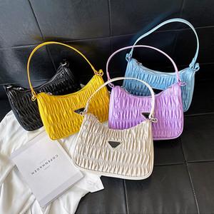 2020 Tragetaschen für Frauen-Süßigkeit-Farben-Sommer Achsel Tasche Nylon-Geldbeutel und Handtasche Retro-Umhängetasche Plissee Female Bolsa