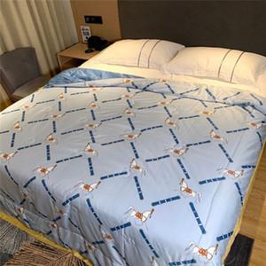 Summer Designer Sleeping Comforter Home Bedroom Letter Pattern Bedding Comforter New Style 200*230cm Soft Comforter Free Shipping