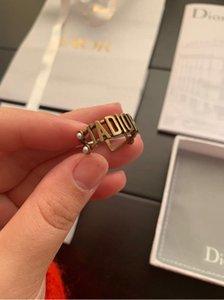 anillos de las mujeres del diseño de joyería de moda del alfabeto de la vendimia exquisitos accesorios anillo de alta calidad de la moda de apertura ahuecado con la caja
