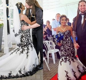 Black and White Gothic Wedding Dresses 2020 Vintage Lace Applique Sweetheart Country Garden Corset Lace-up Bride Gowns