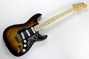 Hot Tobacco Sunburst Electric Guitar с SRV Pickguard, Maple Bearboard, SSS Pickups, Gold Hardwares, предлагая индивидуальные услуги.