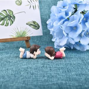1pair XBJ200 Sweety Lovers Couple Figurines Miniatures Fairy Garden Gnome Moss terrariums Résine Artisanat Accessoires Décoration