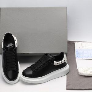 За размера Luxury Платформа Дизайнер обуви Шипы Шипованные черный Мужчины Женщины Повседневная Sneaker партия Полное платье телячьей кожи