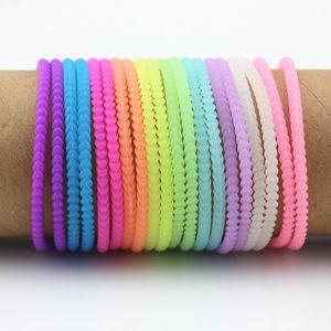 100pcs / lot 멋진 남성 여성의 네온 형광성 빛나는 팔찌 Wristbands 고무 거미 Hairband 트위스트 글로우 팔찌 팔찌 MB02