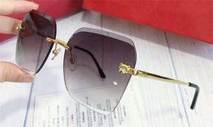 Nuevo diseñador de moda Gafas de sol 0147 Simple Cuadrado Marco Popular General Al aire libre Protección de verano UV400 Wholesale Eyewear con caso
