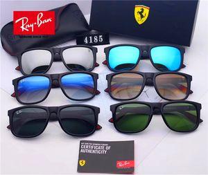 Les pollyons de haute qualité sont à la pointe des lunettes de soleil, conçues pour que les concepteurs masculins portent de grandes lunettes de soleil pour les voitures