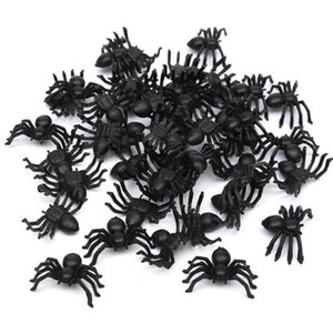 50 pièces utiles Halloween Party en plastique noir araignée décoration festival Fournitures drôle Prank Décoration Jouets réaliste Prop Vente Hot