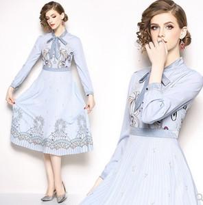 Nouvelle Arrivée Vente Chaude Spécial Mode Européenne Station Fée Catwalk Femelle Brodé Tempérament Catwalk Bleu Imprimé Arc Couture Couture