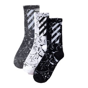 Herren Damen Designer Marke Socken Socken Tide Marke mit dem ursprünglichen Harajuku Stil neue diagonale Streifen Baumwollsocken Sport New Style