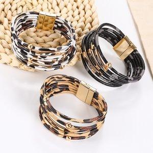 Multicapa estampado leopardo de cuero de la pulsera de la aleación de la hebilla magnética del tubo de cobre con cuentas cuerda de cuero de la pulsera de las mujeres de la joyería envío de la gota
