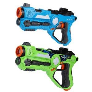 2pcs / set cs pistolas de juguete juego verde y azul batalla eléctrica pistola de juguete sensor de infrarrojos láser de plástico pistola de etiqueta