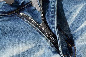 2020 New Style Brand New Mens Jeans Distressed Ripped Biker Jeans Slim Fit Motorcycle Biker Denim Jeans Fashion Designer Pants 1501