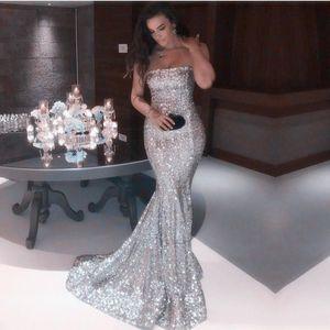 2019 Sexy Prom Dresses senza spalline d'argento a sirena Abiti da sera convenzionali con paillettes luccicanti Abiti da festa vintage economici