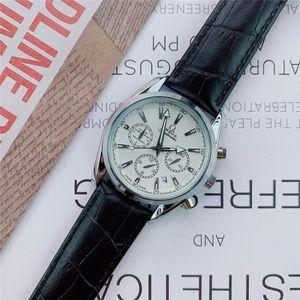 Top Brand Mens Watch Tous les petits cadrans fonctionnent eau resistand Daydate luxe en cuir sangles montres à quartz design pour les hommes de haute qualité LU