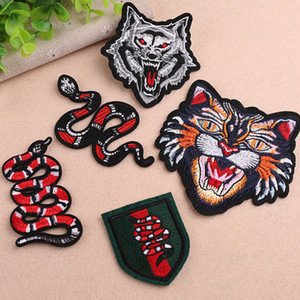 embroidery snakes patches for jackets,embroidered wolf badges tiger appliques for jeans,animals patches for clothing A201