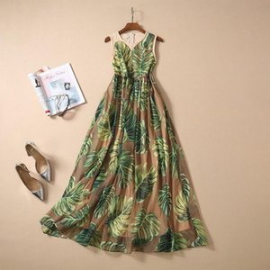 New European and American women's dresses for spring 2020 Sleeveless round collar Banana leaf printing Fashionable dress