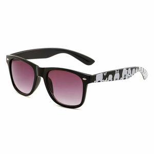 2019 Marca Óculos Designer Designe óculos de sol clássicos para homens e mulheres ao ar livre esporte de condução óculos de sol 5 cores Sun Shades Óculos