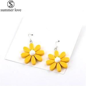 Pendientes estilo de la flor de la margarita de la resina coreana lindo girasol cuelga los pendientes para la joyería de las mujeres preciosas niñas de última moda-Z