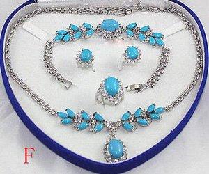 Precioso conjunto de joyas de gargantilla al por mayor para mujeres, conjunto de anime, collar, pulsera, pendientes, anillo, chapado en oro, reloj ancho nupcial