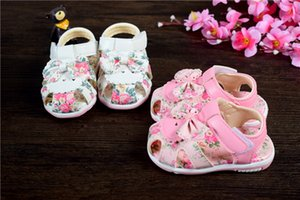 2020 Bebek Sandalet Kız Bebek Yaz Ayakkabı Kaymaz Yumuşak Alt Kız Prenses Bow Çiçekler Çocuk Sandalet Bebek Shoes