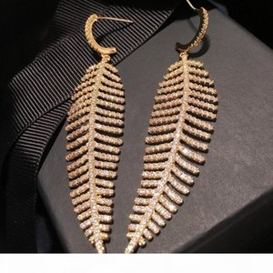 Europe and America New Fashion Women Earrings Yellow Gold Plated Full CZ Leaf Earrings for Girls Women for Party Wedding Nice Gift