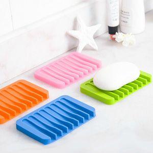 Platos de jabón y agua silicona Drenable Cocina Baño Jabón flexible de silicona soporte de la bandeja Smooth peine platos de jabón de superficie BH0498 TQQ