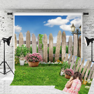 Sonho 5x7ft Spring Garden Fotografia Backdrops Cerca de madeira Lawn Foto backdrop Azul Céu Nuvem for Children Partido Picture Studio