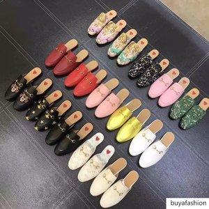 Top progettista delle donne degli uomini Mules Slipper in vera pelle di velluto su tela mocassini diapositive ragazze di lusso casuali pantofole morsetto fibbia EUR34-46