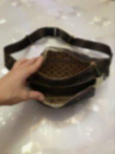 2019 new Waist Bag Fanny Packs Lady's Belt Bags Women's And Mens Chest Handbag Fanny Pack Bum Waist Bags fast shipping