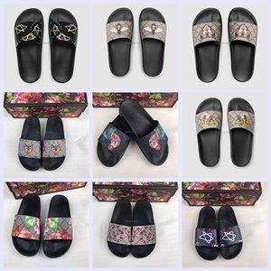 Дизайнер резиновые сандалии Новый цветочный парчи Мужская мода Тапочки Красные Белые Зубчатые Днища Вьетнамки женщин Слайды Повседневный Квартиры тапочка