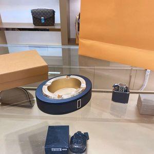 Mode Blume Designer Europäischen Luxus-Matt-Edelstahl-Zigarren-Aschenbecher-Heimtisch-Zubehör für Chef-Männer Geburtstagsgeschenk mit Box