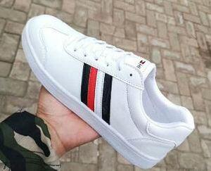 Vendita calda pensione Scarpe Uomo di marca e di White Lace Sneakers Fashion Low Cut delle donne casuali scarpe basse Taglia 36-44