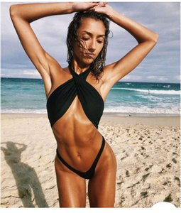 Designer Swimsuit Mulheres Verão sexy magro 2 conjuntos de peças cor sólida Halter mangas Biquinis Moda feminina Fatos de banho
