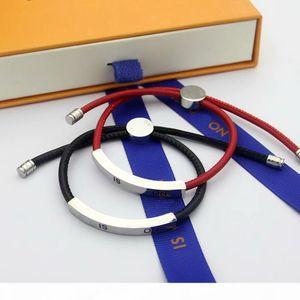 Fashion Brand Named Bracelets Lady V Letter Design Red Black Leather Cord Bracelet Bangle With 18K Gold Engraving Letters Metal Plate