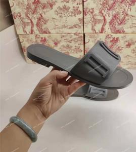 Le donne di Parigi Designer Slipper Summer Beach gomma antiscivolo infradito signore Mocassini in pelle di lusso Stampa tallone ricamo scarpe casual pantofole