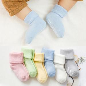 الطفل الجوارب زلة المضادة الرضع الطابق الجوارب السميكة طفل جوارب الصلبة الوليد حذاء رياضة Footsocks بنين فتاة الأحذية ملابس الطفل 6 ألوان C6411