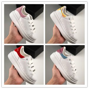 2020 shoes for Boy Girls fashion leather sneakers 3M reflective black white velvet Thick-soled flat Height Increasing kids casual s