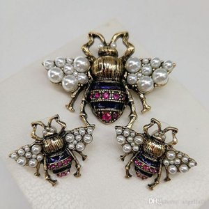 Vintage Bee Brooch Retro Women Pearl Rhinestone Insect Bee Brooch Suit Lapel Pin High Quality Jewelry Epacket Shipping