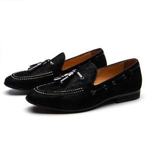 Camurça preta Mocassins Tassels Mocassins Masculinos Chinelos Man Dress Shoes masculino metal roound toes slip on paty sapato Sapatos Casuais