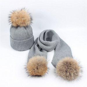 Mujeres de invierno Gorros Sombreros Mapache Real punto sombrero bufanda conjunto con piel Pompom Ball Gorras señoras sombreros Pom Beanie Cap caliente Beanie trajes